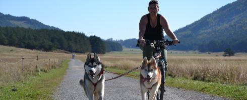 Faire du vélo avec son chien, l'interview de Baptiste